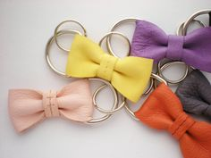 Leather bow keyrings...love!