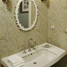Pedestal Sink w large counter space