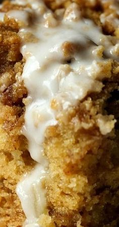 Sour Cream Apple Cake is soft, tender, and loaded with apples and cinnamon. It's topped with a buttery crumb and a sweet icing! Apple Cake Recipes, Apple Desserts, Just Desserts, Delicious Desserts, Dessert Recipes, Fall Desserts, Cookie Recipes, Sour Cream Apple Pie, Sour Cream Coffee Cake