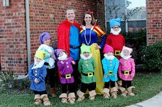 Snow White and the Seven Dwarfs halloween costume for group work costumes Disney Family Costumes, Disney Halloween Costumes, Snow White Halloween Costume, Halloween Kostüm, Baby Snow White Costume, White Costumes, Seven Dwarfs Costume, Dwarf Costume, Halloween Disfraces