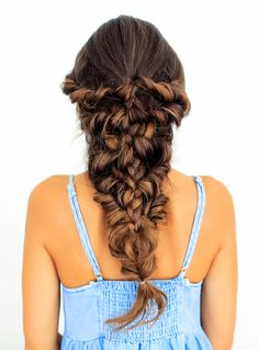 Channel your inner Mermaid with Luxy Hair's latest tutorial! Click to learn how to create this gorgeous simple voluminous Mermaid Braid!   #LuxyHairExtensions