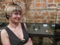Dorota Gulbierz otwiera wystawę RETROmaniaczka we Wrocławiu #gulbierz studio #www.gulbierz.pl #biżuteria #ceramika