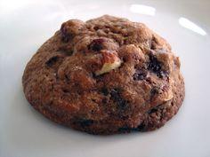chokoladesmåkage, cookie, cookies, chokoladecookies, småkage, kage, bagepulver, smør, rørsukker, mørk farin, vaniljesukker, vanilje, æg, mørk chokolade, nødder, chokolade, hasselnødder, hvedemel, rugmel