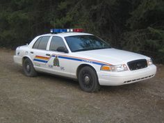 Several Chetwynd vehicle break-ins Police Car Pictures, Emergency Vehicles, Police Vehicles, Leo Police, Old Police Cars, Victoria Police, Automobile, Car Ford, Commercial Vehicle