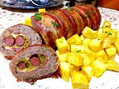 Ruladă de carne la cuptor Zucchini, Sausage, Bacon, Food Porn, Cooking Recipes, Pork, Sausages, Chef Recipes