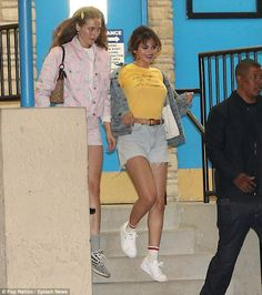 Selena Gomez goes braless while rocking skimpy Daisy Dukes for night out at local skating rink   Daily Mail Online