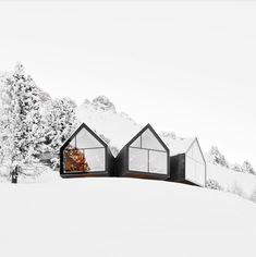 UP KNÖRTH — Modern mountain cabin. Oberholz Mountain Hut in...