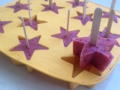 pops-out-of-freezer-star-shaped-lolly-frozen-fruit-bite-kids-party-food-homemade-ice-lolly1