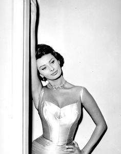 (7) Tumblr Popular Actresses, Classic Actresses, Actors & Actresses, Hollywood Actresses, Sophia Loren, Classic Beauty, Timeless Beauty, Rome, She's A Lady