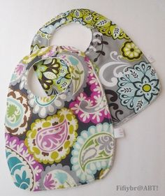 DIY bibs and burp cloths #sewing #tutorials