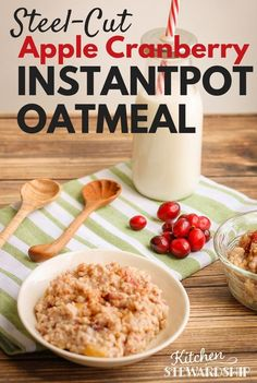 The Instant Pot makes breakfast easy with this Steel Cut Apple Cranberry Oatmeal recipe! Gourmet Recipes, Crockpot Recipes, Whole Food Recipes, Healthy Recipes, Instant Pot Pressure Cooker, Pressure Cooker Recipes, Pressure Cooking, How To Make Breakfast, Oatmeal Recipes