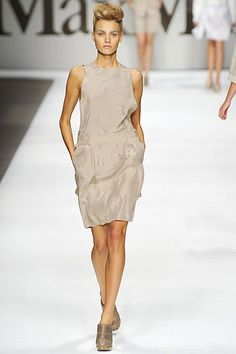 Max Mara Spring 2009 Ready-to-Wear Collection Slideshow on Style.com