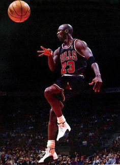"""Michael Jordan wearing Air Jordan 12 """"Taxi"""""""