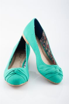 Twist Tie Ballet Flats - Green (I can diy the twist tie with some pretty lace to make it stand out more )