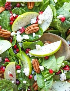 Salad - pommegranate, peacan, baby spinach, cranberries & pear