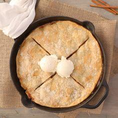 Grandma's Iron Skillet Apple Pie Recipe and Video Apple Pie Recipes, Apple Desserts, Just Desserts, Fall Recipes, Sweet Recipes, Holiday Recipes, Baking Recipes, Apple Pies, Iron Skillet Recipes