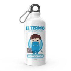 Termo - El termo del mejor odontólogo, encuentra este producto en nuestra tienda online y personalízalo con un nombre. Water Bottle, Carton Box, Store, Crates, To Sell, Teeth, Water Bottles