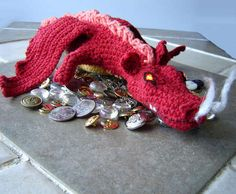 Smaug amigurimi: free pattern by ChrysN including instructions for giving him LED light glowing eyes!