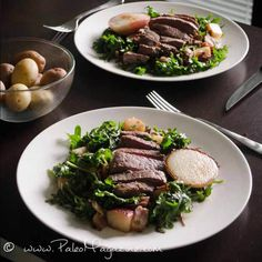 paleo steak salad with coconut pan-fried peaches recipe substitute coconut oil for ghee for AIP Paleo Salad Recipes, Healthy Dinner Recipes, Healthy Cooking, Beef Recipes, Paleo Dinner, Dinner Menu, Steak Salad, Peaches, Favorite Recipes