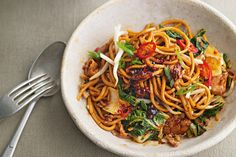 What to cook when you can't be bothered cooking. This quick, easy recipe by Jamie Oliver is comforting in every single way. Stir Fry Recipes, Noodle Recipes, Cooking Recipes, Fast Recipes, Yummy Recipes, Easy Chicken Recipes, Asian Recipes, Ethnic Recipes, Chinese Recipes