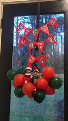 Elf on the Shelf idea with balloons Shelf Ideas, Christmas Traditions, Elf On The Shelf, Christmas Bulbs, Balloons, Arts And Crafts, Shelves, Holiday Decor, Home Decor