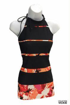Une magnifique robe est offerte dans ce superbe tissu épais de qualité supérieure....voici maintenant la version raccourcie..;) Agencez ce top avec tous nos pantalons VICKIE noirs ou blanc. Exclusivité VICKIE. 90% polyester 10% lycra. Attache à l'aide d'une boucle sur un côté. Fabriqué entièrement en Beauce. Aide, Polyester, Voici, Short, Jeans, Apron, Collection, Fashion, Trousers