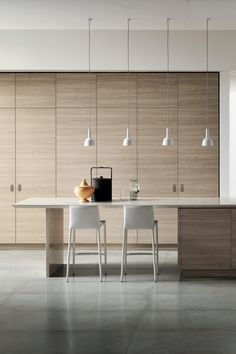 Who doesn't love ta Scandi-style kitchen? When it comes to clean, uncluttered kitchen design, nobody does it better than the Scandinavians. Modern Interior Design, Interior Design Living Room, Modern Decor, Contemporary Interior, Interior Ideas, Kitchen Interior, Kitchen Decor, Kitchen Ideas, Beautiful Home Designs