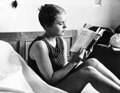 Jean Seberg reads.