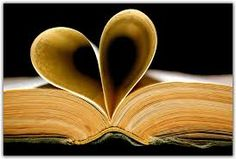 For Valentine's Day! Monthly Book Reviews - Romance: 10 Steps to Girlfriend Status is here!