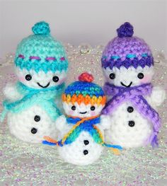 [Free Pattern] These Teeny Tiny Snowmen Love To Do Synchronized Skating On The Ice