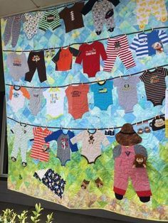 What better way to keep those memories than with this DIY Baby CLothes Memory Quilt Pattern! Save baby clothes and make a quilt. - March 02 2019 at Diy Baby Clothes Memory Quilt, Baby Memory Quilt, Baby Clothes Blanket, Sewing Baby Clothes, Baby Clothes Patterns, Memory Quilts, Diy Clothes, Baby Blankets, Summer Clothes