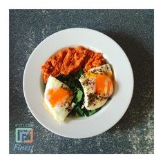FitLondonerss Finest pic of the day : @mara_clickthat  Lunch time Londoners ! What are you gonna eat today ? Leave a comment ans share your best recipe !  For a chance to be featured on our instagram Follow us @Fitlondoners and tag us #Fitlondoners Follow us also :  Snapchat  : Fitlondoners  Twitter : Fitlondoners  Email : social@fitlondoners.com by fitlondoners