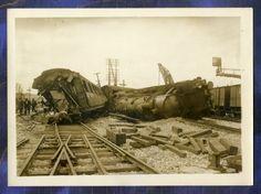 Past to Present : Railway Crash Engine Locomotive Derailment Montereau France old press Photo 1930