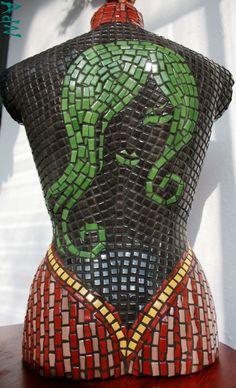 Mosaic Bust  EN: http://adnmosaic.wordpress.com/2013/02/27/mosaic-bust/