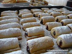 A kde je na ně recept. Czech Desserts, Sweet Desserts, Sweet Recipes, Czech Recipes, Russian Recipes, Best Party Mix Recipe, Baking Recipes, Dessert Recipes, Eastern European Recipes