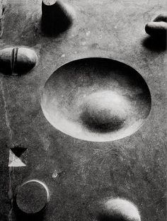 Isamu Noguchi (野口 勇, November 1904 - December was a prominent Japanese American artist and landscape architect whose artistic. Isamu Noguchi, Storm King Art Center, Vintage Design, Land Art, Art Plastique, Installation Art, Sculpture Art, Abstract Sculpture, Sculpting