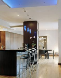Modern Kitchen Photos Design Ideas, Pictures, Remodel, and Decor - page 116 Light Wood Cabinets, Kitchen Wall Cabinets, White Cabinets, Kitchen Island, Kitchen Lighting Design, Kitchen Pendant Lighting, Pendant Lights, The Brick Furniture, Beautiful Kitchens