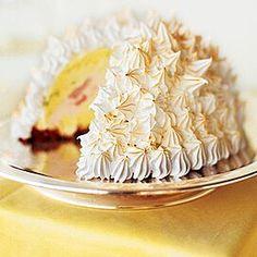 baked alaska cake Chocolate Ice Cream, Melting Chocolate, Chocolate Cake, Cherry Ice Cream, Pistachio Ice Cream, Alaska Cake, Baked Alaska Recipe, Thing 1, Cake Cover