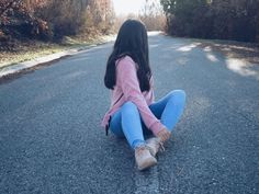Teenage Girl Photography, Tumblr Photography, Girl Photography Poses, Cute Girl Photo, Girl Photo Poses, Girl Photos, Cute Couples Kissing, Girl Hiding Face, Fake Girls