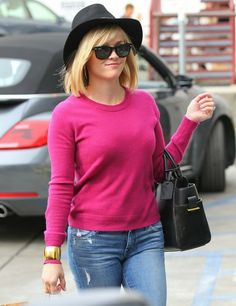 Reese Witherspoon Visits a Spa