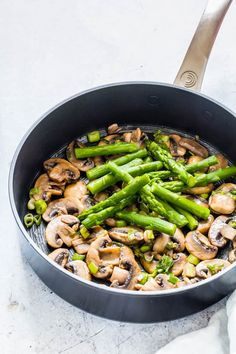 This Asparagus Mushroom Pasta recipe is simple, tasty, comforting and awesome. An easy dinner recipe. (from Recipes from a Pantry) #pasta #pastarecipe #asparagusmushroompasta #mushroomasparaguspasta