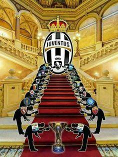Cristinao Ronaldo, Ronaldo Juventus, Juventus Soccer, Juventus Logo, Football Soccer, Football Players, Real Madrid Club, Punisher, Messi