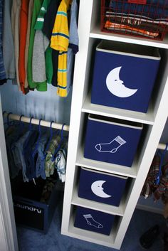 """IHeart Organizing: May Challenge: Project """"Projects"""" {Boy's Bedroom - Part 6} Stealing this idea."""