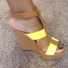 🌺🌺Heeled Wedges / NEVER WORN Get them while they're here 💋💋💕💕 JustFab Shoes Wedges