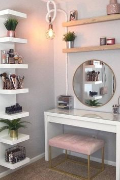 Organizer Makeup, Makeup Organization, Makeup Storage, Bedroom Organization, Makeup Dividers, Diy Makeup Desk, Makeup Drawer, Makeup Tips, Girls Bedroom