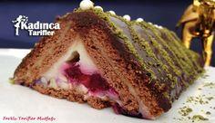 Bisküvili Meyveli Piramit Pasta Tarifi nasıl yapılır? Bisküvili Meyveli Piramit Pasta Tarifi'nin malzemeleri, resimli anlatımı ve yapılışı için tıklayın. Yazar: Sevgi İle Farklı Tarifler