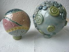 Rosenkugeln - Hobbies paining body for kids and adult Garden Totems, Stoneware, Beautiful Pictures, Hobbies, Ceramics, Pottery Ideas, Kids, Sculptures, Pottery