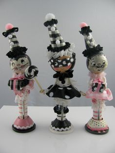 cute clothes pin dolls  Lots of Dots and.. Stripes here.  Adorable.  LD