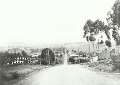 Broughton St,Campbelltown,south western suburb of Sydney in yesteryears. South Wales, Camden, Historical Photos, Golden Age, Genealogy, Sydney, Westerns, Past, Stage