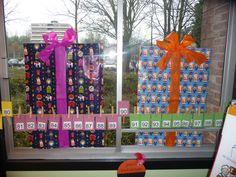 MAP juf Ineke: een idee voor een raamdecoratie tijdens de Sinterklaastijd..... |Pinned from PinTo for iPad|